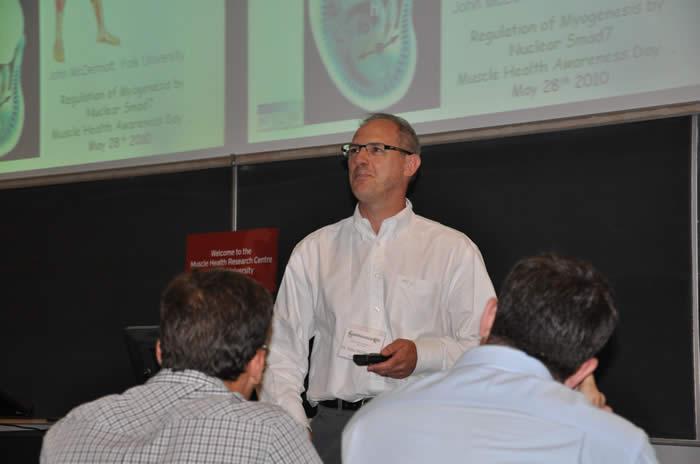 speaker presenting to audience